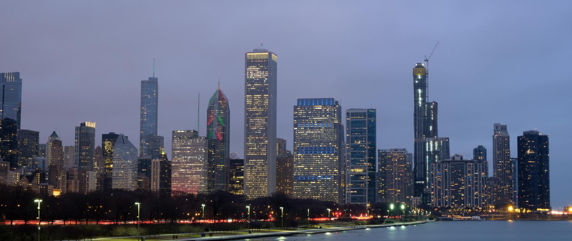 evening scenery of chicago downtown skyline chicag RJY7EHU