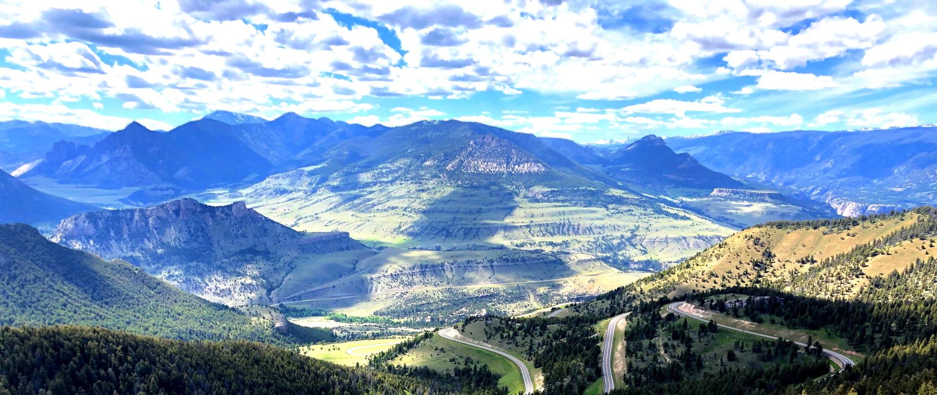open road in montana HU9DX3Q