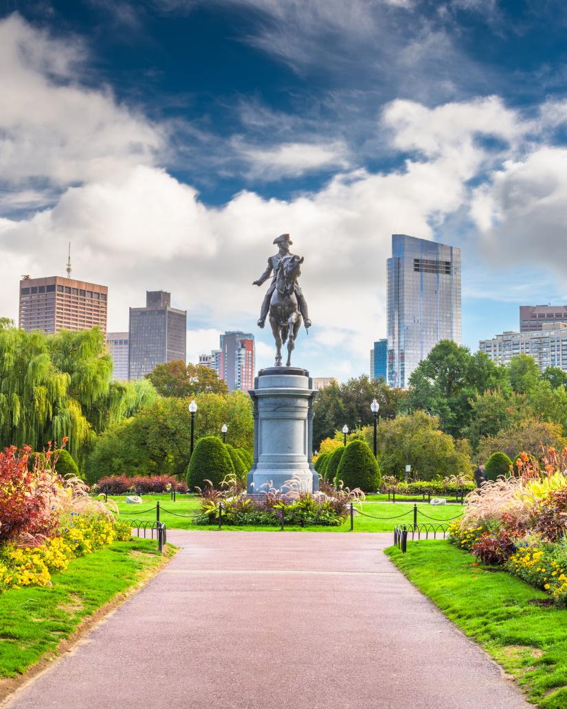 public garden in boston massachusetts LXKYRZ4